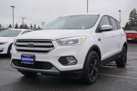Pre-Owned 2019 Ford Escape SE Sport Utility