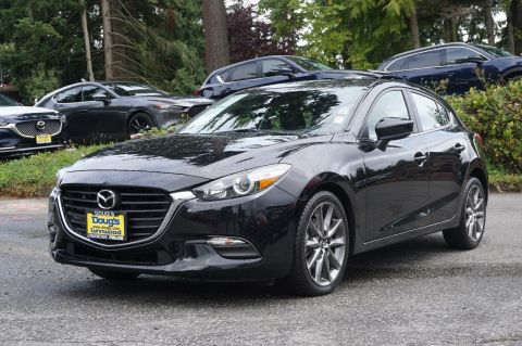 Pre-Owned 2018 Mazda3 5-Door Touring Hatchback